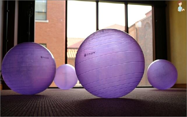 Wie Sie den richtigen Ball für fitball Neugeborenen wählen