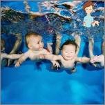 Када и како почети пливања са новорођенчета