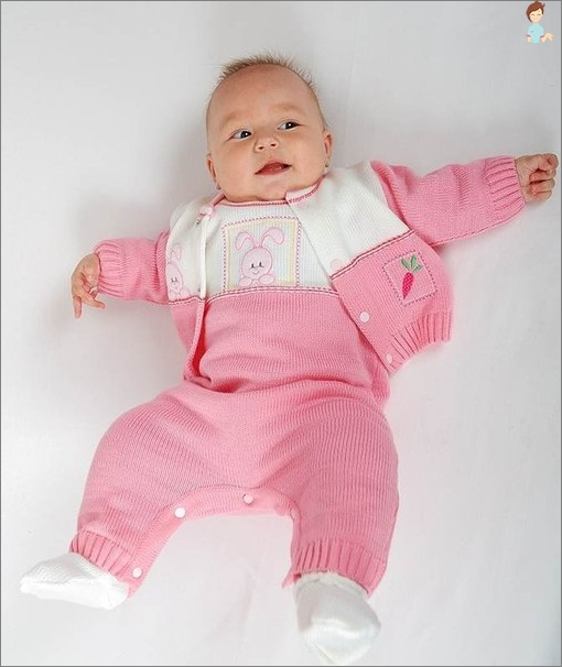 Suit for newborn girl