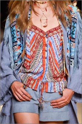 How to make a fashionable ethnic style of dress?