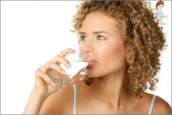 Hva vanndrivende medisiner og urter tillatt fra hevelse under graviditet?