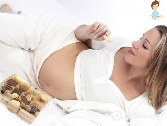 Chocolate during pregnancy is beneficial or harmful?