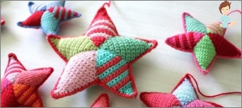Christmas crafts: knit crochet Christmas toys