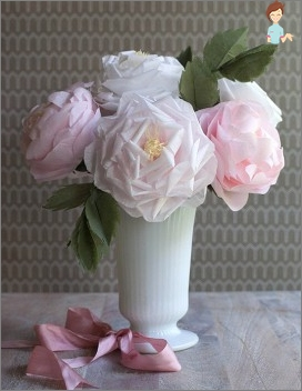 How to make flowers out of tissue paper: step by step instructions
