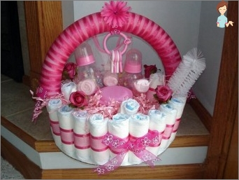 How to make a beautiful cake of diapers