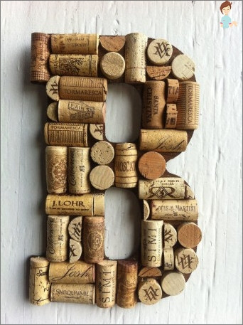 Crafts from corks from champagne with his own hands: beautiful and useful things