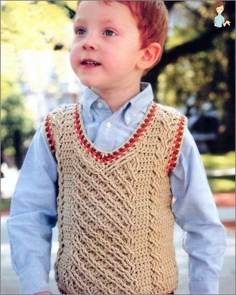 How to tie a vest for a boy?