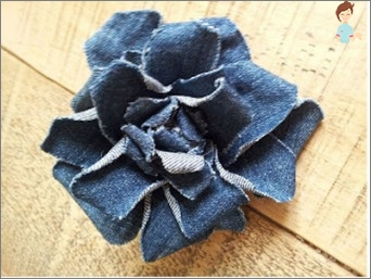 We make flowers from denim fabric with our own hands!