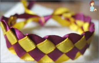 Learning to weave bracelets of colored ribbons