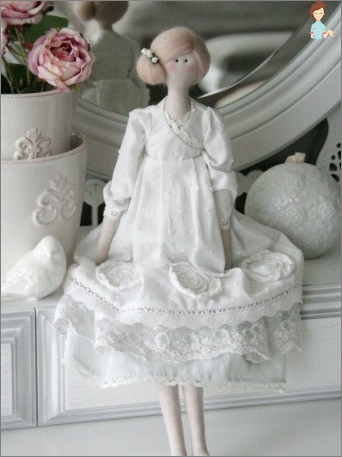 Doll Tilda: how to paint a fabric at home