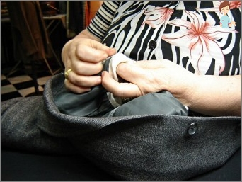 How to sew a hole: tips for housewives and fashionistas