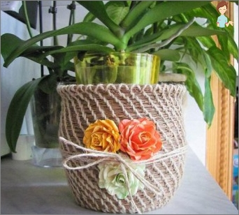Decorating flower pots: what materials can be used