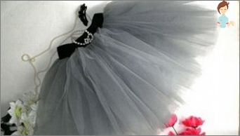 Sew tulle skirt with his hands