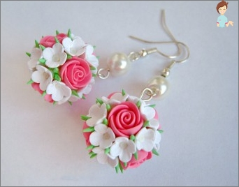 We create and work: how to make beautiful earrings from clay?