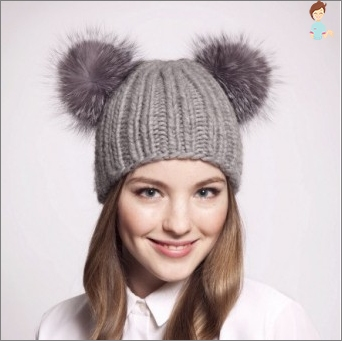Hats with fur pompoms: for mothers and children