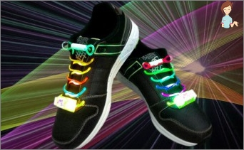 Create fashionable luminous shoelaces with your own hands
