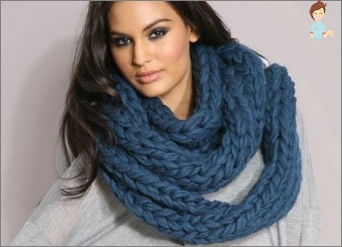 Warm and cozy scarf tube: knit their own hands