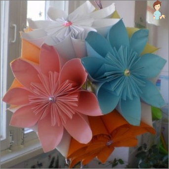 Make your home an original - decorate his balls Kusudama!