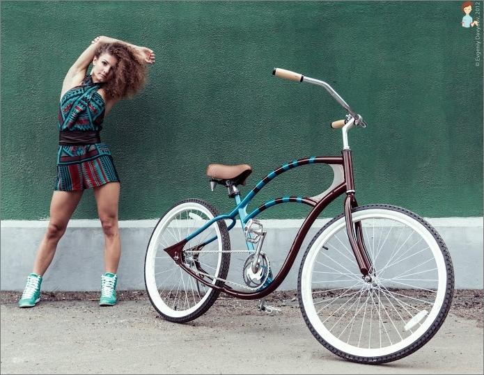 Female bike cruiser