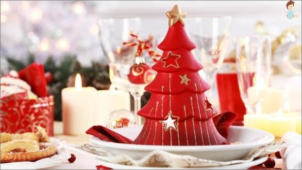 شجرة عيد الميلاد البديلة بأيديك