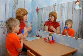 Dysarthria in einem Kind: Ursachen, Symptome, Behandlung