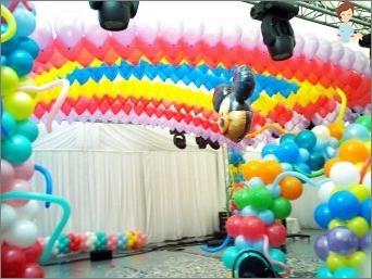 أفكار تصميم عطلة الأطفال مع البالونات