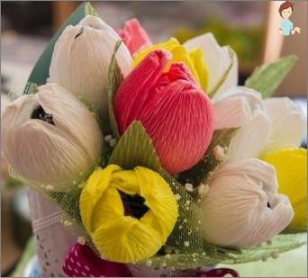 Blumen von Wellpapier mit ihren eigenen Händen