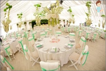Methods and seating schemes invited at the wedding