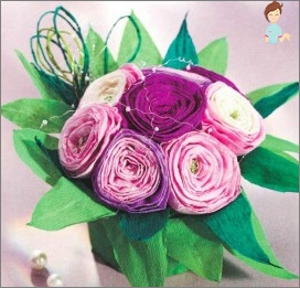 How to make flowers from paper napkins: step-by-step instruction