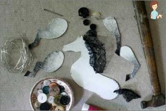 الحرف اليدوية للأطفال والكبار - صنع حصان بأيديهم من مواد مختلفة