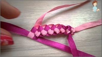 Lernen, Armbänder aus farbigen Bändern zu weben