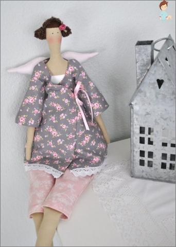 Tilde Puppe: Wie man Tuch zu Hause malt