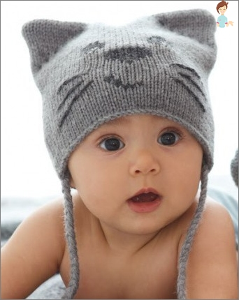 How to make a hat from knitted things and paper?