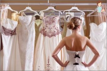 So wählen Sie ein Hochzeits-Outfit aus