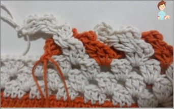 Processing the edge of products with a hook for knitting