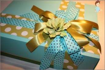 How to pack a gift - secrets of proper packaging