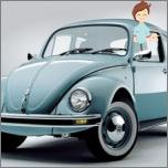 Der Charakter eines Mädchens in ihrem Auto. Vorurteile und Magie